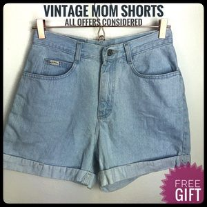 Vintage mom shorts high waist light wash blue jean